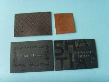 custom embossed logo pu leather patch for jeans